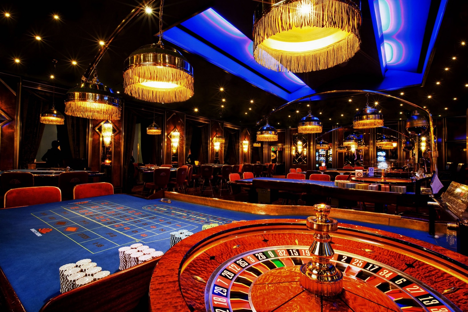 The Pros And Cons Of Gambling Casino